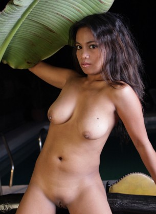 Laila Very Lovely #Asian exotic likes to pleasure her dripping wet cunt with her dildos asiangirlslive.net and asiancamslive.com